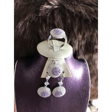 ensemble violet en Argent de très bonne qualité